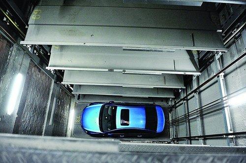 机械式停车设备由钢结构框架