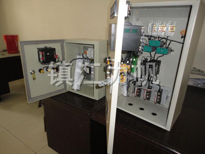 控制柜上的全部电器开关