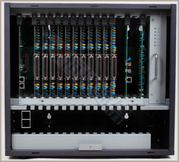 技术参数       2 配置容量  分机/环路中继板卡路数(门) 普通分机
