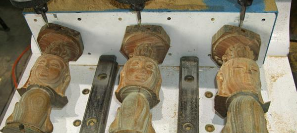 产品 木头雕刻机    木头雕刻机介绍:    雕刻机制作工艺日渐成熟