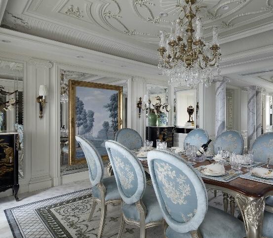 法式装修风格的家居常用洗白处理与华丽配色,洗白手法传达法式乡村特有的内敛特质与风情,配色以白、金、深色的木色为主调。结构粗厚的木制家具,例如圆形的鼓型边桌,大肚斗柜,搭配抢眼的古典细节镶饰,呈现皇室贵族般的品味。 法式建筑十分推崇优雅、高贵和浪漫,它是一种基于对理想情景的考虑,追求建筑的诗意、诗境,力求在气质上给人深度的感染。