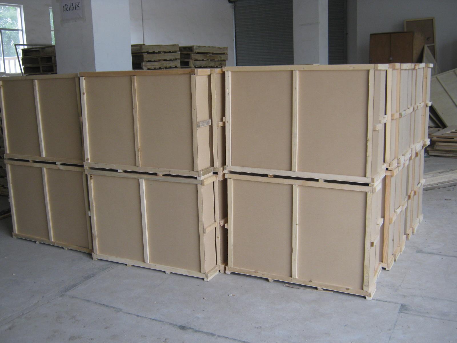 木箱批发   木包装箱,顾名思义是用于包装的木箱,其大小并没具体规定