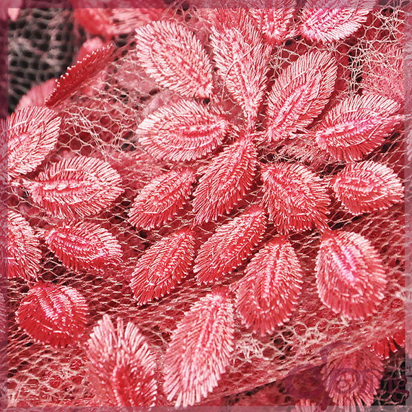 福建厂家直供 高端花卉图案刺绣网布服装面