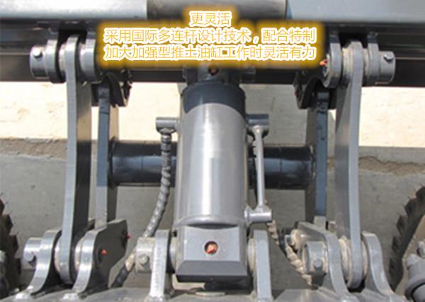德州宝鼎液压机械有限公司前身是德州液压机械厂,始建于1983年,主要从事液压缸、泵、阀及泵站的设计、制作,曾先后与重型卡车太拖拉、道依茨、福田自卸车配套,是专业设计、生产液压系统的企业。经过多年实践,积累了丰厚的设计技术和制作经验,为了更好的发挥我们的优势,扩展我们的产品适应市场需求,宝鼎轮式挖掘机于1997年批量投入市场,赢得了广大用户的青睐,经过多年超常规、跳跃式的发展,目前有2个厂区,占地300余亩,资产过亿。 公司现有产品有1T---15T全旋专360轮式挖掘机、履带式挖掘机、蔗木装卸机、挖掘机配