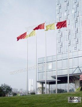 天安门第一根国旗杆是1949 年开国大典xxx升旗时用的那根旗杆,22米高.