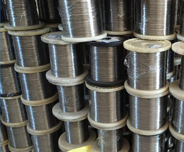 产品 铜镍合金电阻丝    铜镍合金电阻丝介绍:    1,电热丝的工作原理