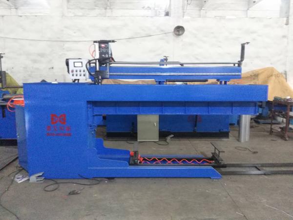 自动直缝焊接机