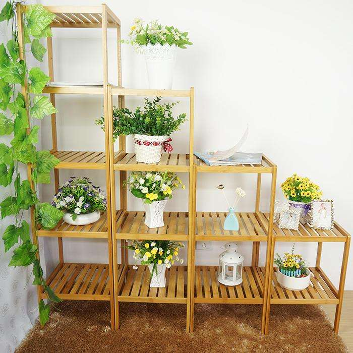 花架出口订单: 花架是用刚性材料构成一定形状的格架供攀缘植物攀附的园林设施,又称棚架、绿廊。花架可作遮荫休息之用,并可点缀园景。现在的花架,有两方面作用。一方面供人歇足休息、欣赏风景;一方面创造攀援植物生长的条件。花架常用的建筑材料有:1,竹木材:朴实、自然、价廉、易于加工,但耐久性差。竹材限于强度及断面尺寸,梁柱间距不宜过大。2,钢筋混凝土:可根据设计要求浇灌成各种形状,也可作成预制构件,现场安装,灵活多样,经久耐用,使用最为广泛。3,石材:厚实耐用,但运输不便,常用块料作花架柱。4,金属材料:轻巧易制