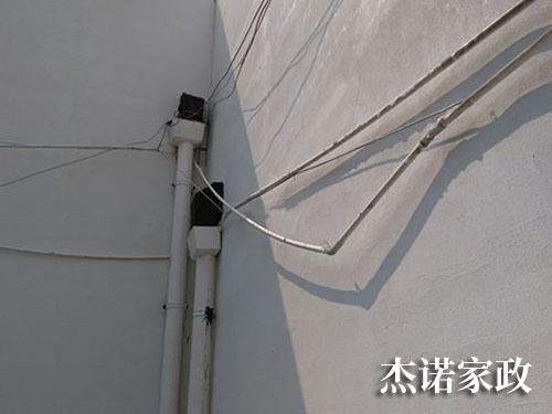 落水管安装