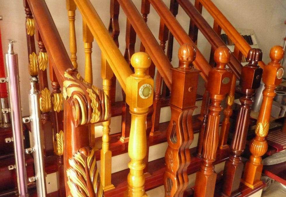 木制楼梯扶手