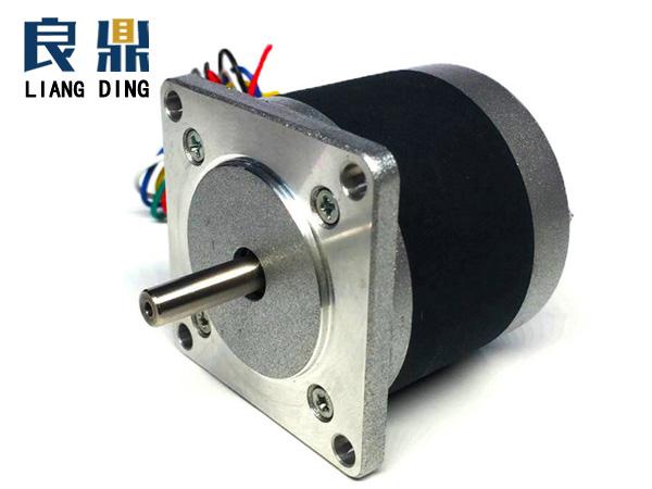 1.8°57mm两相圆形混合式步进电机