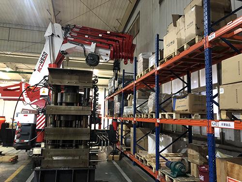 设备吊装施工方案
