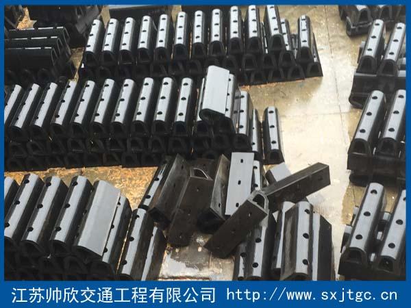 D型橡胶护舷生产厂家