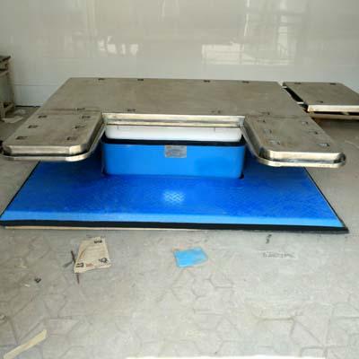 JDAT-860309 电动液压大动物手术台