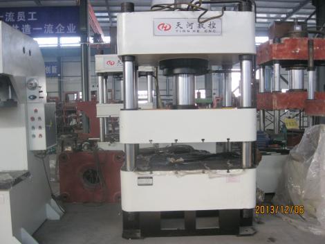厂家热销优质315吨四柱液压机 高效节能 可定制