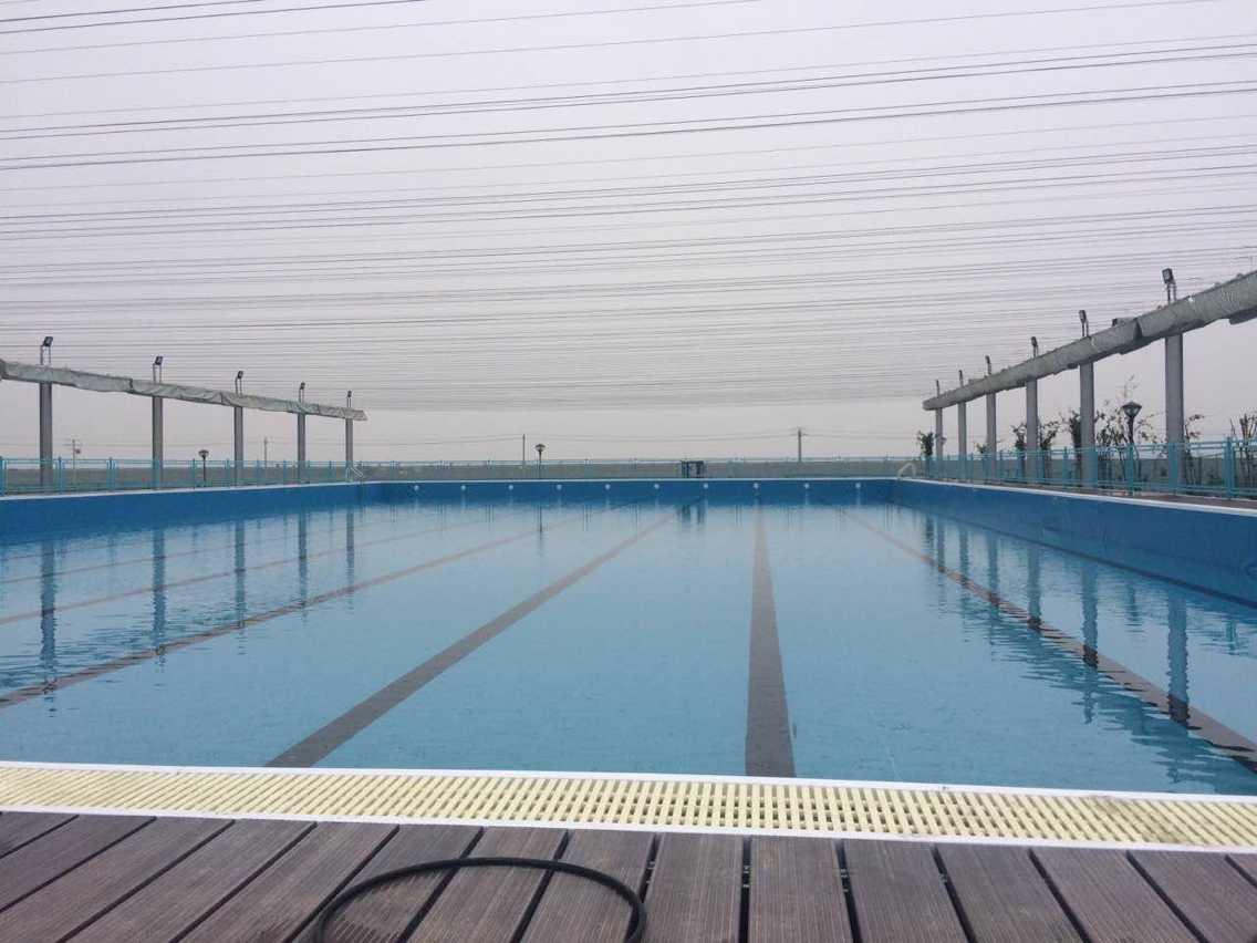 整體式游泳池