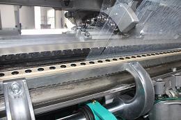 SGE2295型高速双针床经编机