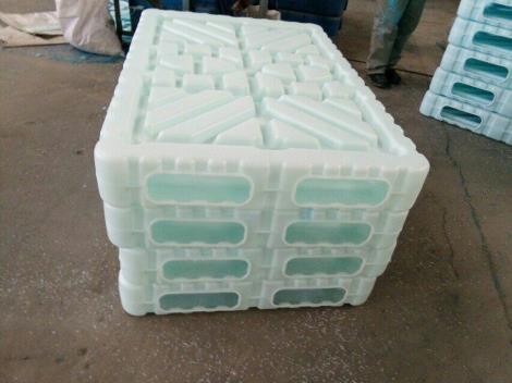 山東塑料托盤、雙面吹塑托盤廠家直銷