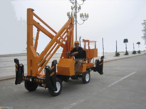 曲臂式升降平臺車載曲臂升降機.液壓貨梯