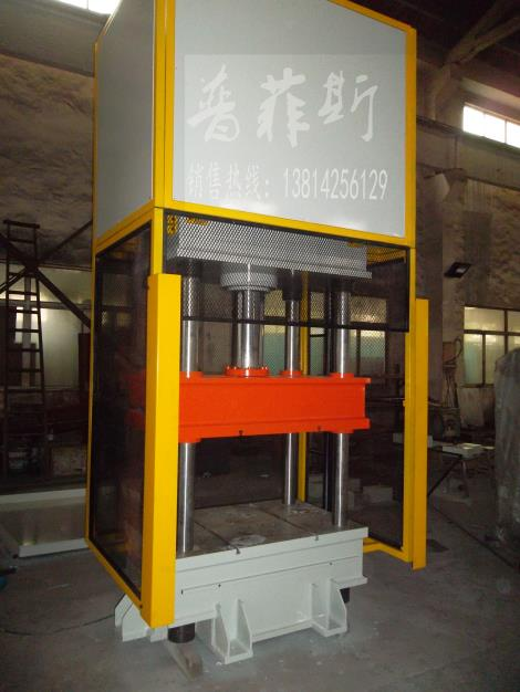 四柱压装机