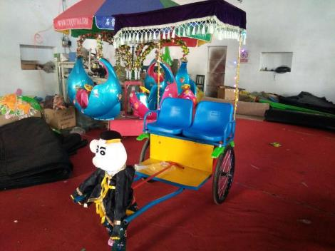 儿童机器人蹬车,机器人拉车