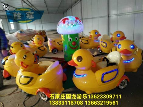 西安电动旋转大黄鸭,儿童充气蹦蹦床厂家