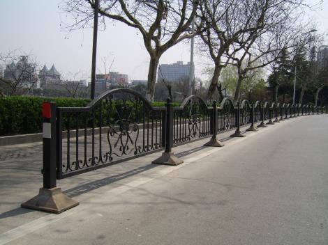 热镀锌道路护栏