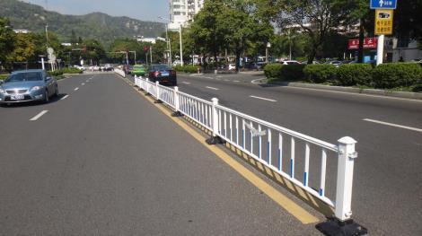 钢质道路护栏