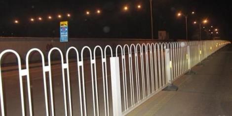 路侧京式护栏