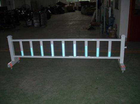 玻璃钢移动式护栏