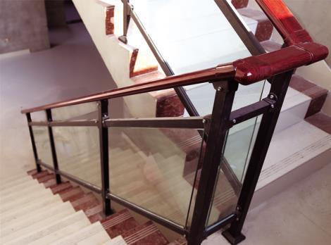 带玻璃式楼梯扶手