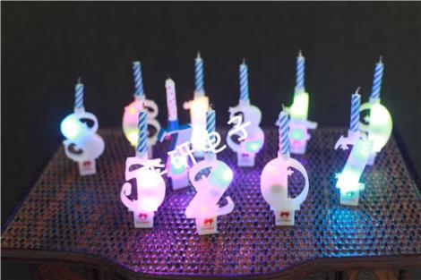 數字發光蠟燭