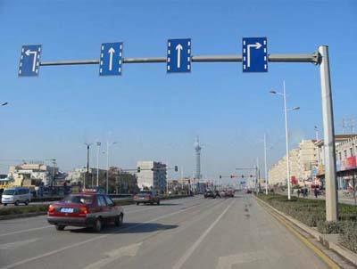 单悬臂交通标志杆