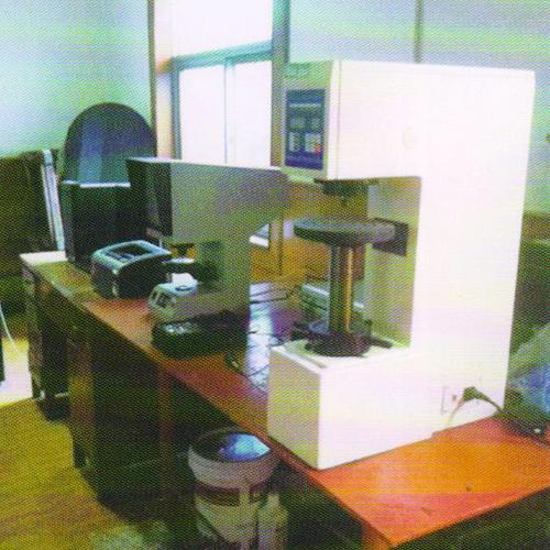 力学性能实验室