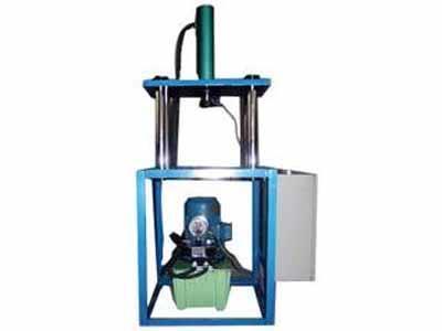 小型四柱液压机供应厂家