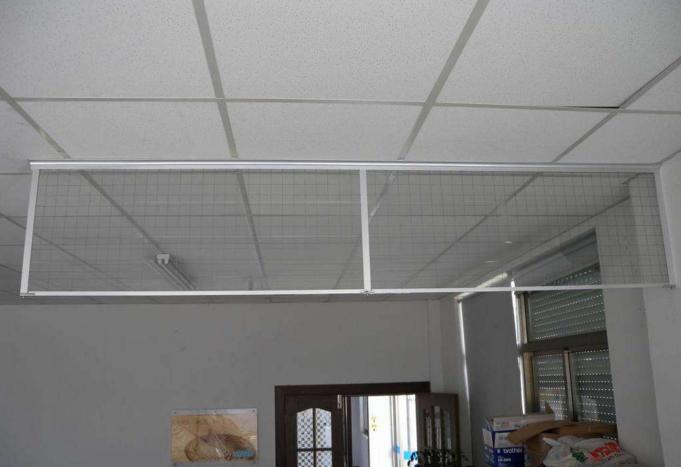 夾絲玻璃擋煙垂壁安裝