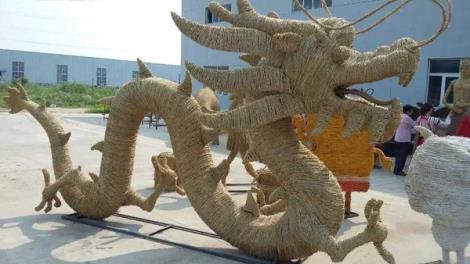 中国龙稻草工艺品