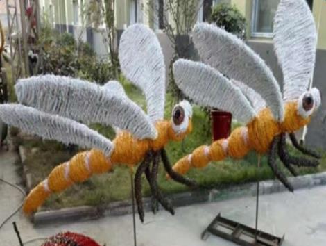 蜻蜓稻草工艺品