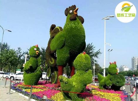 动物雄鸡仿真绿雕