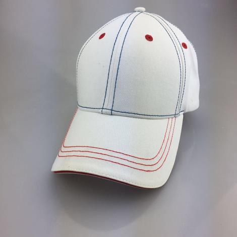 粉白棒球帽