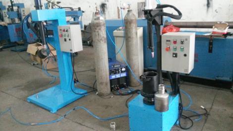 啤酒桶環縫焊接專機