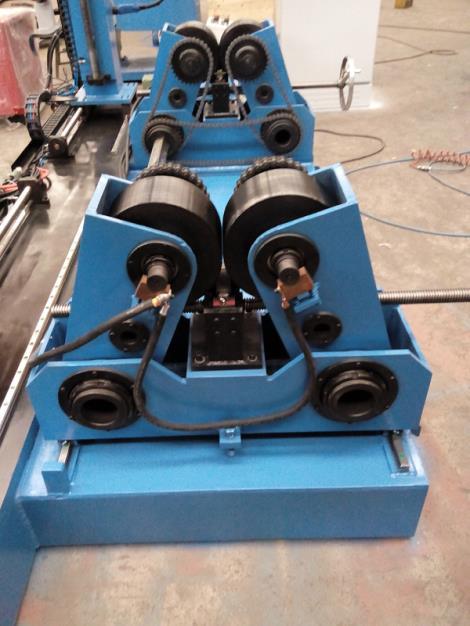 托輥式自動焊縫焊接機