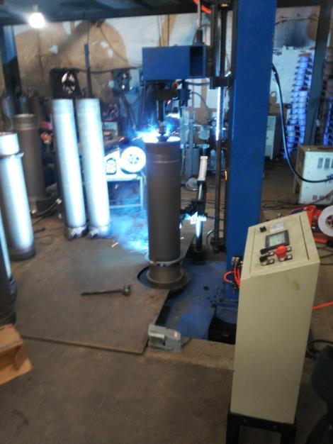 油缸環縫焊接專機定制