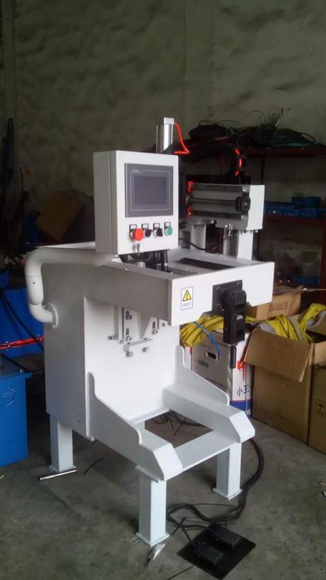 小型直缝焊接机