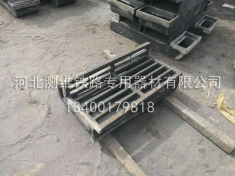 铸铁泄水管安装