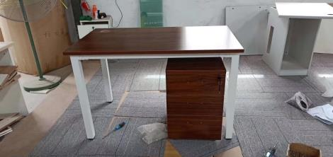 传统办公家具