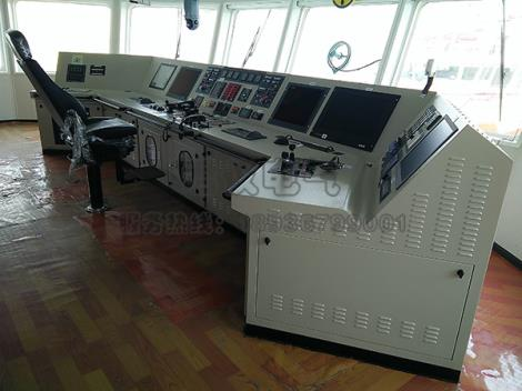 驾驶室控制台