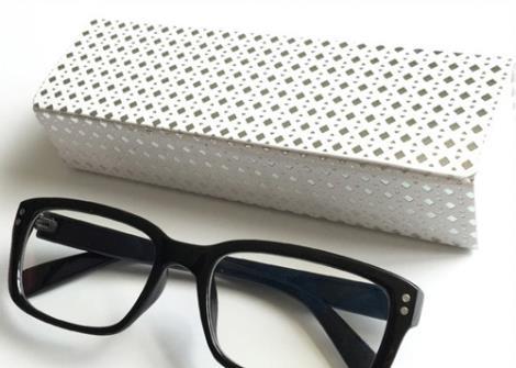 星点方眼镜盒
