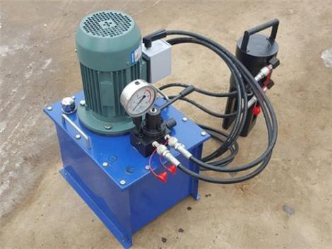 钢筋挤压机使用