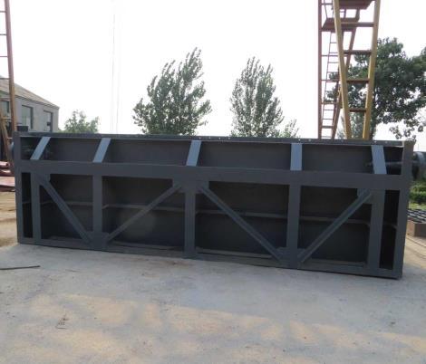 潜孔式钢制闸门